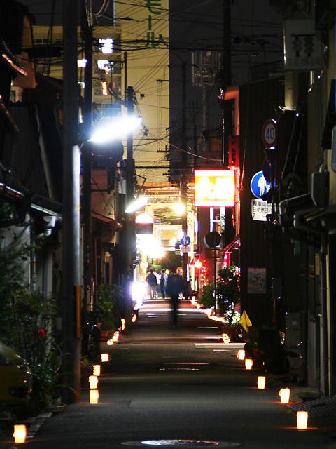 路地裏の夜景・たかさご万灯祭のキャンドルライトアップ/高砂市