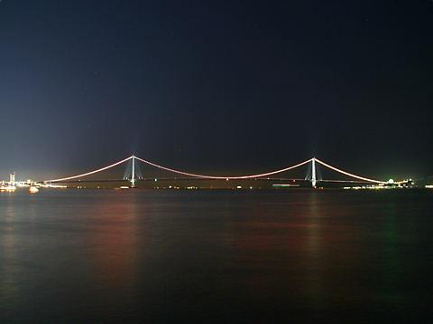 オレンジリボン・明石海峡大橋のライトアップ夜景/神戸市