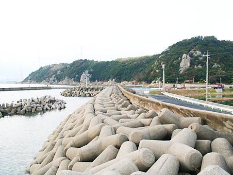 播州福泊港から見た小赤壁/姫路市