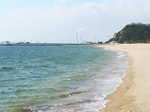 福泊キャンプ場・福泊海岸から見た小赤壁/姫路市