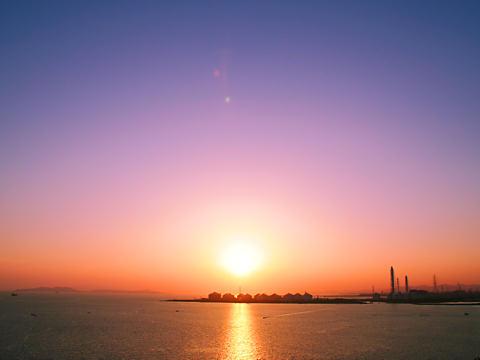 小赤壁と瀬戸内海に沈む夕日/姫路市