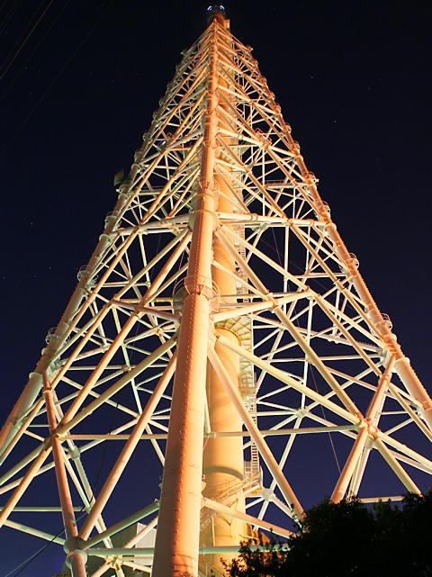 発電所の夜景・JPOWER電源開発㈱高砂火力発電所の煙突