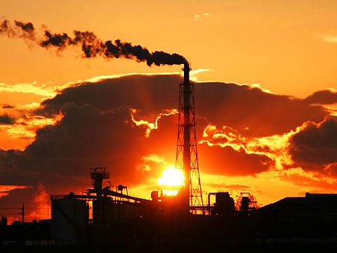 加古川の夕日と高砂市の工場