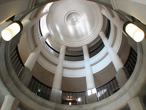 神戸税関の時計塔内部