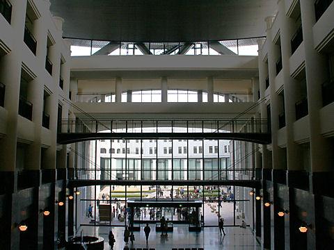 神戸税関のホール
