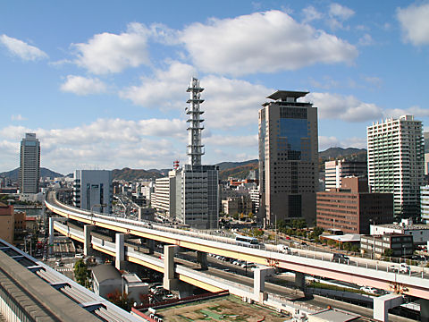 旧居留地と浜手バイパス・阪神高速神戸線
