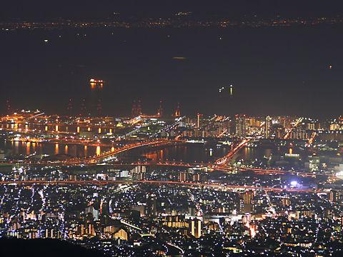 六甲アイランドと大阪湾の夜景
