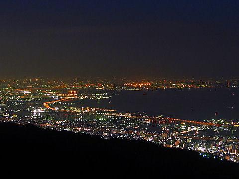 大阪平野と大阪湾の夜景