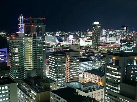 神戸メリケンパークとハーバーランドの夜景