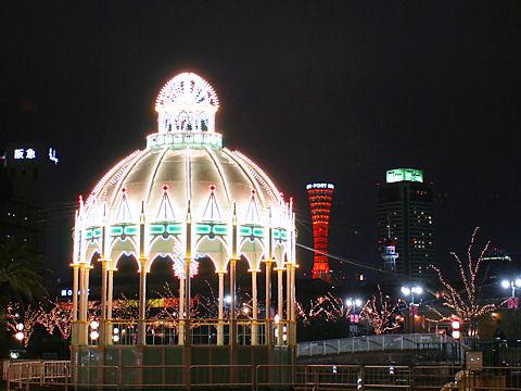 カッサアルモニカ・光の記念堂と神戸ポートタワー