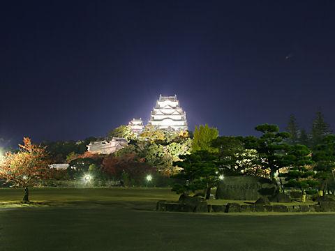 姫路城のライトアップ夜景