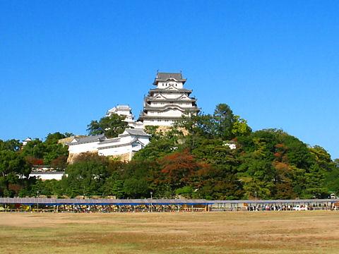 姫路城と三ノ丸広場