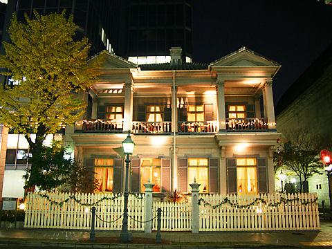 神戸居留地15番館のライトアップ夜景/神戸市