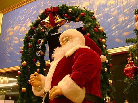 クリスマスリースとサンタクロース/ホテルオークラ神戸