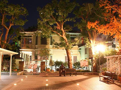 萌葱の館のライトアップ夜景