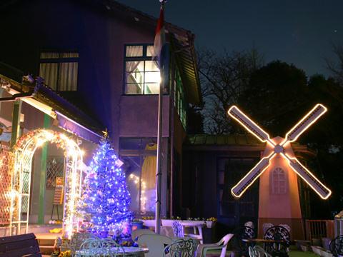 オランダ館のクリスマスイルミネーション夜景