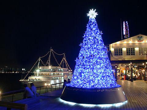 神戸モザイクのクリスマスツリーとコンチェルトのイルミネーション
