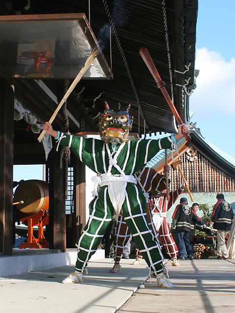 多聞寺追儺式・鬼踊り