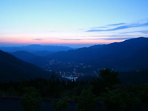 日名倉山から見る東粟倉村の夜景