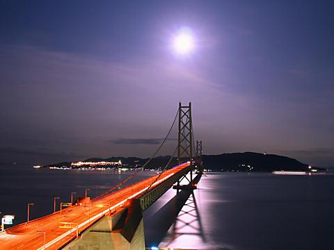 月夜の夜景・月明かり夜景