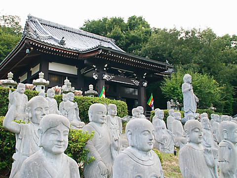 鶏足寺と五百羅漢