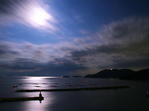 月夜・月明かり・夜景・月光写真