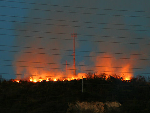 竜山山頂の火災