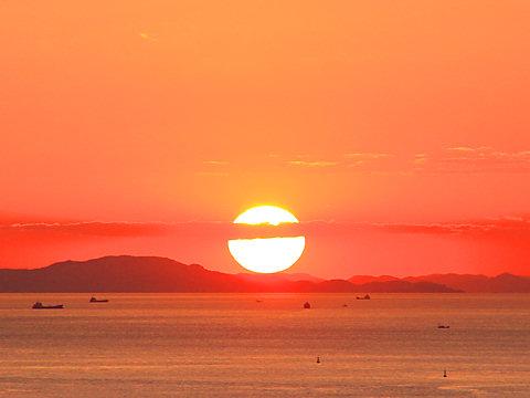 秋の夕日 夕焼け空 瀬戸内海の風景 兵庫と神戸の写真ブログ