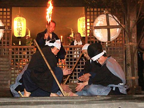 加西・東光寺の追儺式・鬼追い