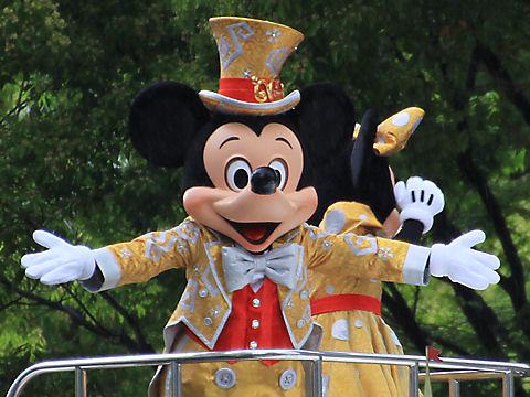 神戸まつりパレードのミッキーとミニー