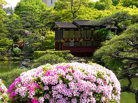 神戸市 相楽園の日本庭園とつつじ・船屋形